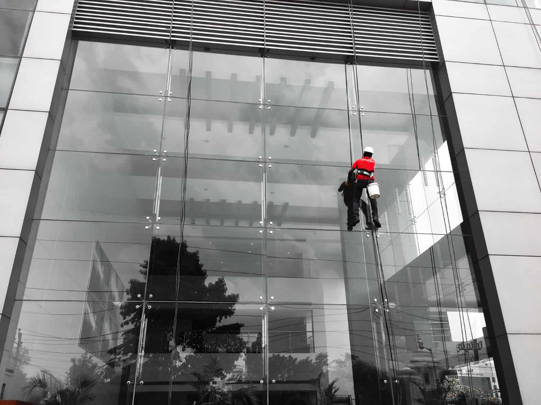 Καθαρισμός Προσόψεων Κτιρίων & Υαλοπινάκων