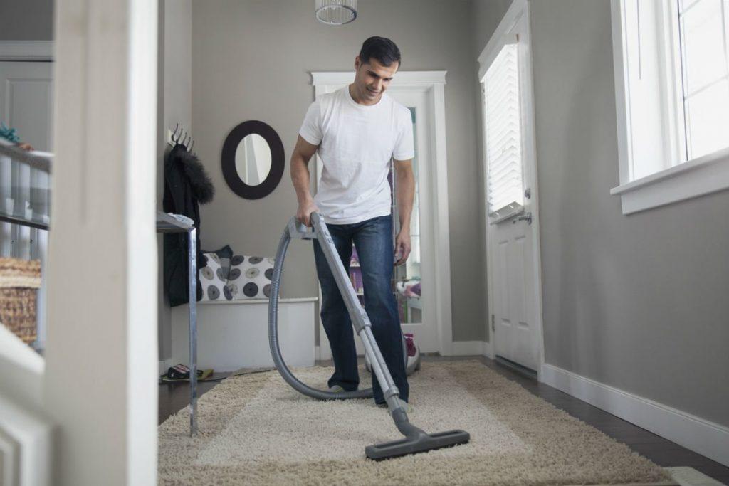 Tips για τον καθαρισμό χαλιών στο σπίτι